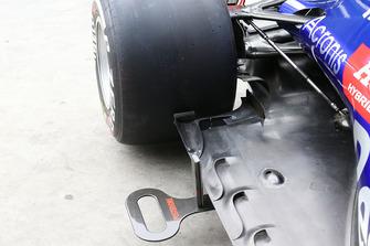Vue détaillée du fond plat d'une Scuderia Toro Rosso STR13