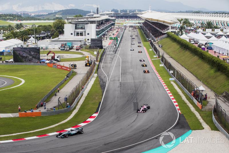 Valtteri Bottas, Mercedes AMG F1 W08, Sergio Perez, Sahara Force India F1 VJM10, Stoffel Vandoorne, McLaren MCL32