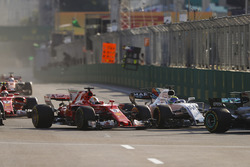 Lewis Hamilton, Mercedes AMG F1 W08, Sebastian Vettel, Ferrari SF70H, Sergio Perez, Sahara Force India F1 VJM10, Felipe Massa, Williams FW40
