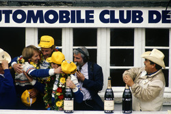 1. Hans-Joachim Stuck, Al Holbert, Derek Bell, Rothmans Porsche 962C