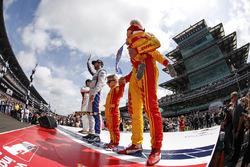 Oriol Servia, Rahal Letterman Lanigan Racing Honda Ed Jones, Dale Coyne Racing Honda Ryan Hunter-Reay, Andretti Autosport Honda