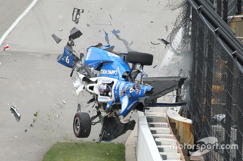 Le terrible crash de Scott Dixon à Indianapolis