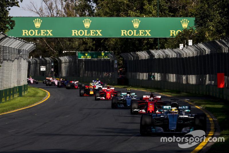 Льюіс Хемілтон, Mercedes AMG F1 W08, Себастьян Феттель, Ferrari SF70H, Валттері Боттас, Mercedes AMG F1 W08, та інші