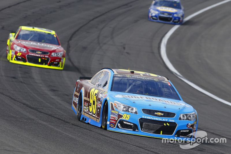 Michael McDowell, Leavine Family Racing, Chevrolet; Paul Menard, Richard Childress Racing Chevrolet