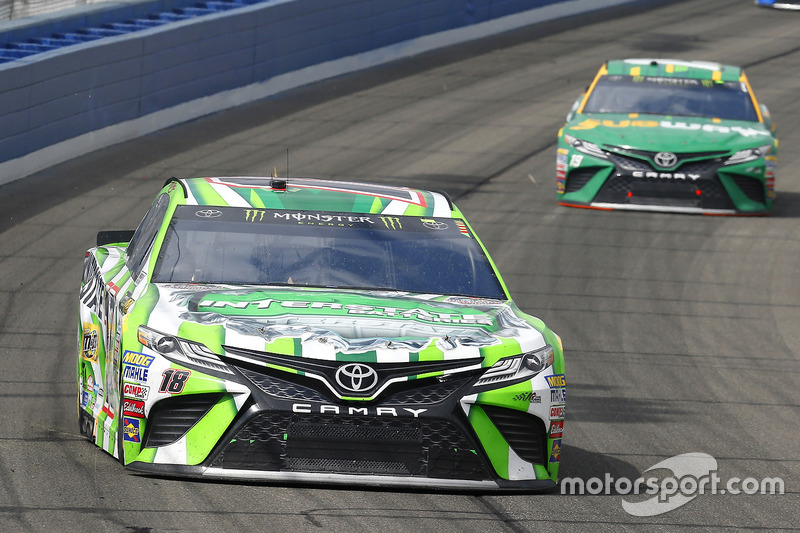 Kyle Busch, Joe Gibbs Racing, Toyota; Daniel Suárez, Joe Gibbs Racing, Toyota