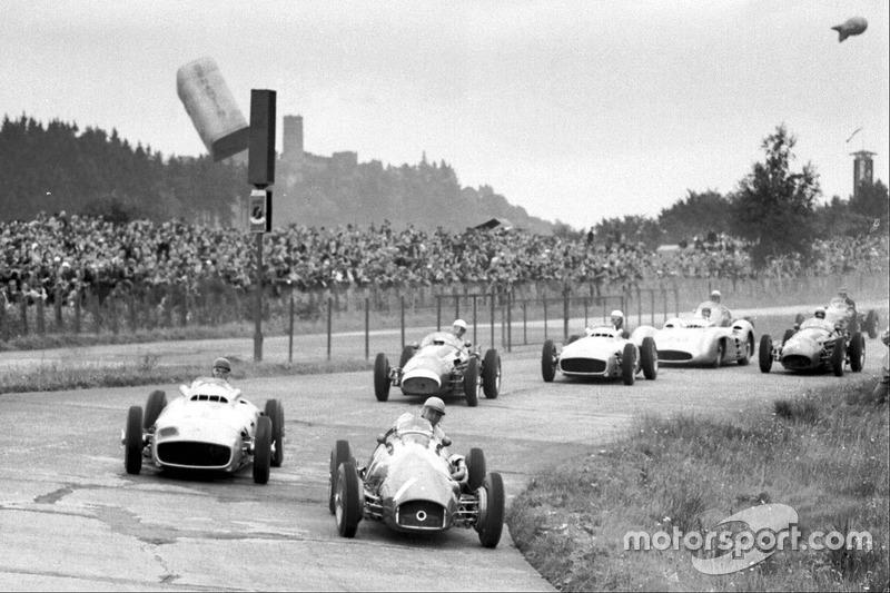 Jose Froilan Gonzalez, Ferrari 625; Juan Manuel Fangio, Mercedes-Benz W196