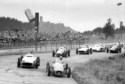 Jose Froilan Gonzalez, Ferrari 625, leads Juan Manuel Fangio, Mercedes-Benz W196