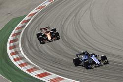 Паскаль Верляйн, Sauber, и Стоффель Вандорн, McLaren MCL32