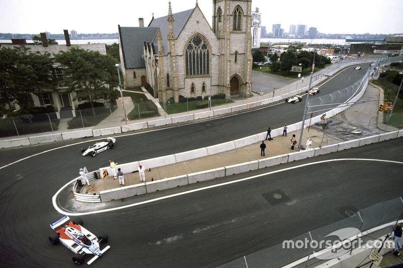 Chico Serra, Fittipaldi F8D-Ford Cosworth, Keke Rosberg ve Derek Daly, Williams FW08-Ford Cosworth