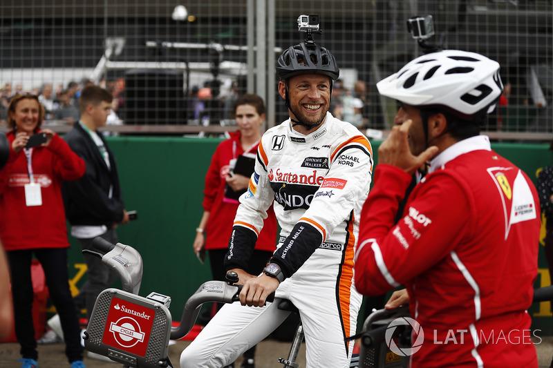 Jenson Button, McLaren, Marc Gene, Ferrari-Testfahrer