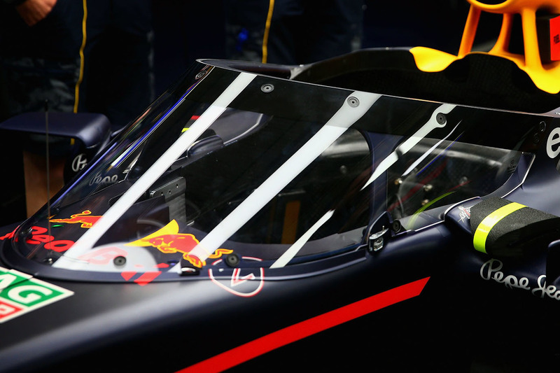 Red Bull Racing RB12, система Аeroscreen