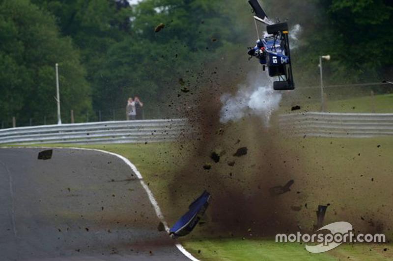 #3: Wilder Crash von Ameya Vaidyanathan (Formel 3)