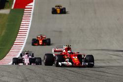 Кмі Райкконен, Ferrari SF70H, Естебан Окон, Sahara Force India F1 VJM10, Фернандо Алонсо, McLaren MCL32