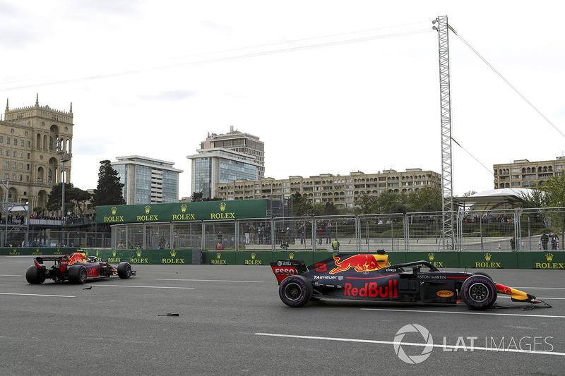 Los autos de Max Verstappen, Red Bull Racing RB14 y Daniel Ricciardo, Red Bull Racing RB14