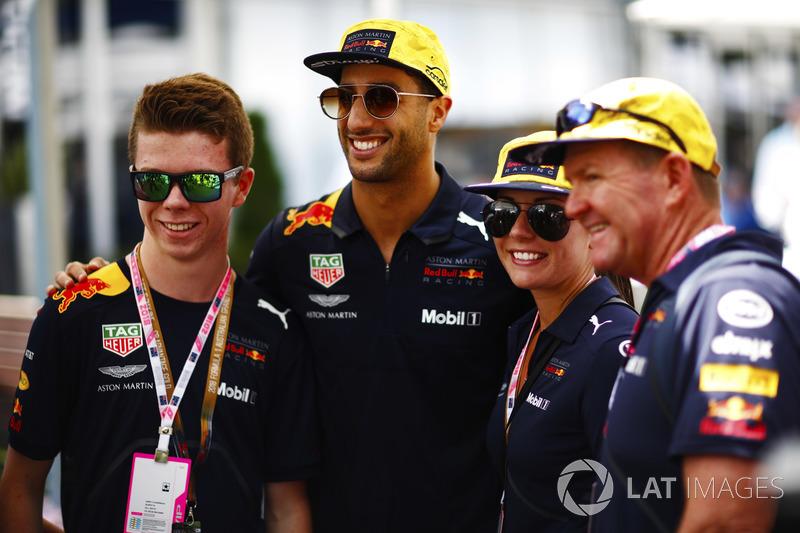 Daniel Ricciardo, Red Bull Racing, poses with guests