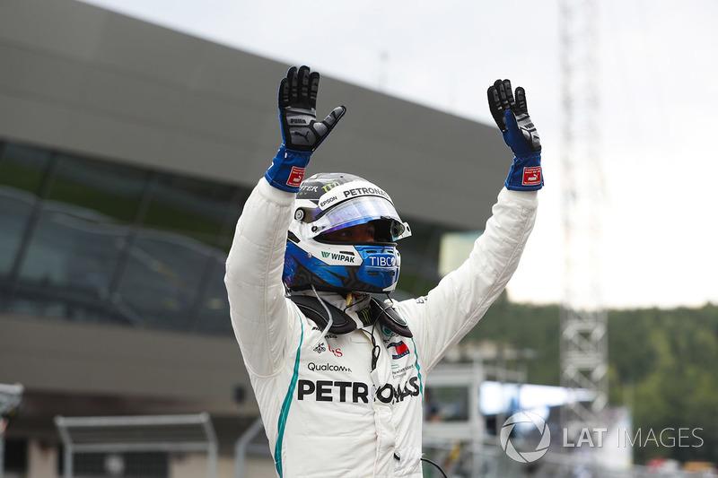 Valtteri Bottas, Mercedes AMG F1, celebrates pole