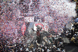 Austin Dillon, Richard Childress Racing Chevrolet Camaro, fête sa victoire au Daytona 500