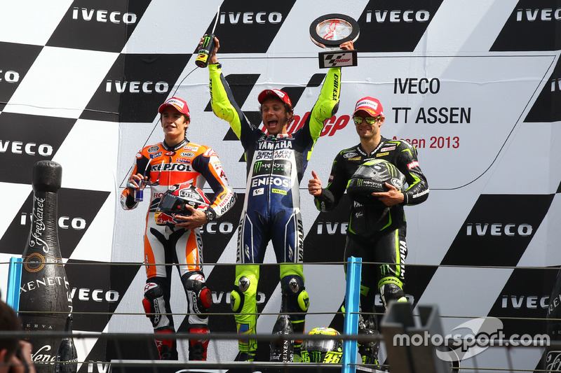 Podio: 1º Valentino Rossi, 2º Marc Márquez, 3º Cal Crutchlow