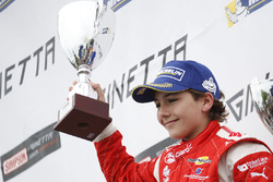 Yarış galibi Enzo Fittipaldi