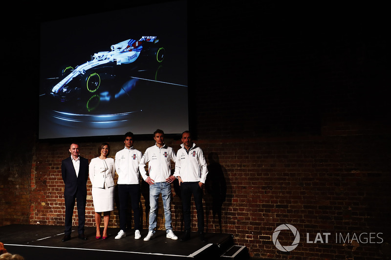 Paddy Lowe, Claire Williams, Lance Stroll, Sergey Sirotkin et Robert Kubica sur la scène au lancement de la Williams FW41