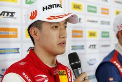Persconferentie, Guanyu Zhou, PREMA Theodore Racing Dallara F317 - Mercedes-Benz