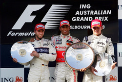 Podium: second place Nick Heidfeld, BMW Sauber F1, Race winner Lewis Hamilton, McLaren, second place Nico Rosberg, Williams