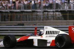 Alain Prost, McLaren MP4/5, vainqueur