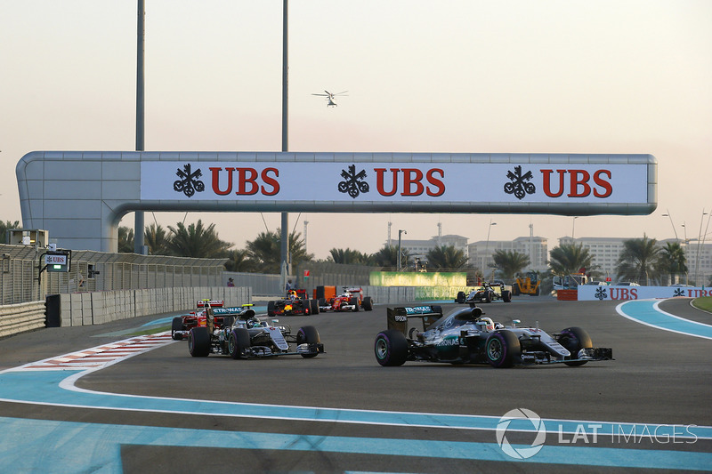 A pista é composta por três longas retas, além de várias curvas de média para baixa velocidade e pontos mais velozes.