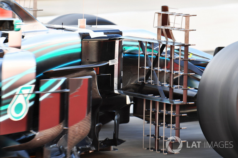 Lewis Hamilton, Mercedes-AMG F1 W09 aero sensör detayı