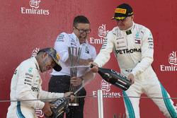 Lewis Hamilton, Mercedes AMG F1, Peter Bonnington, Mercedes AMG, Valtteri Bottas, Mercedes AMG F1