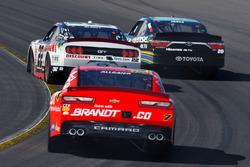 Ryan Blaney, Team Penske Ford, Erik Jones, Joe Gibbs Racing Toyota and Justin Allgaier, JR Motorsports Chevrolet