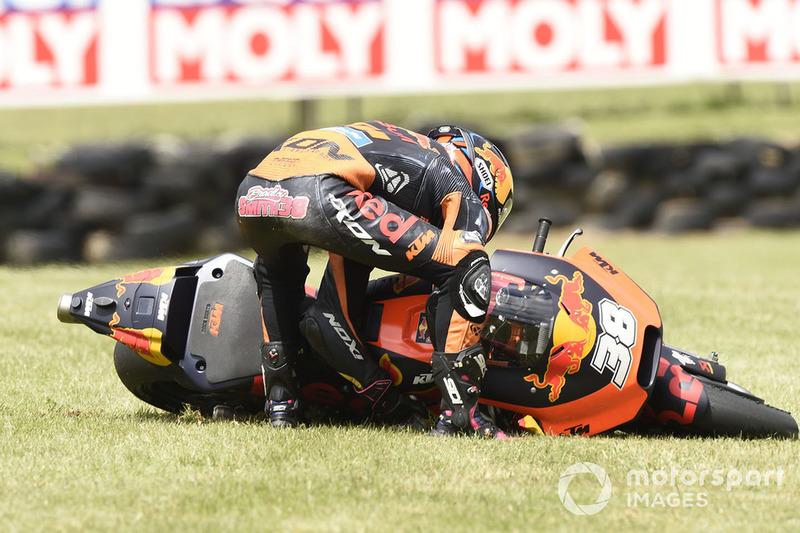 Chute de Bradley Smith, Red Bull KTM Factory Racing
