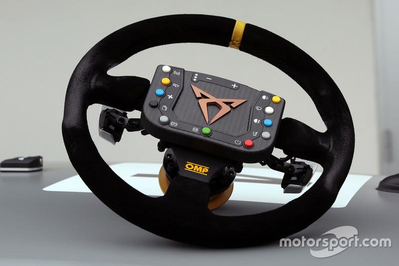 Cupra Leon TCR SEQ, volante