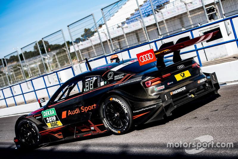 Автомобиль Audi RS5 DTM 2019 года