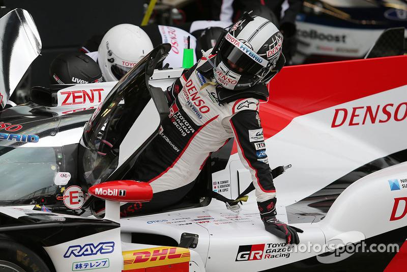 #7 Toyota Gazoo Racing Toyota TS050: Kamui Kobayashi, in the pits