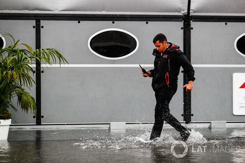 FOM TV Crew in the rain