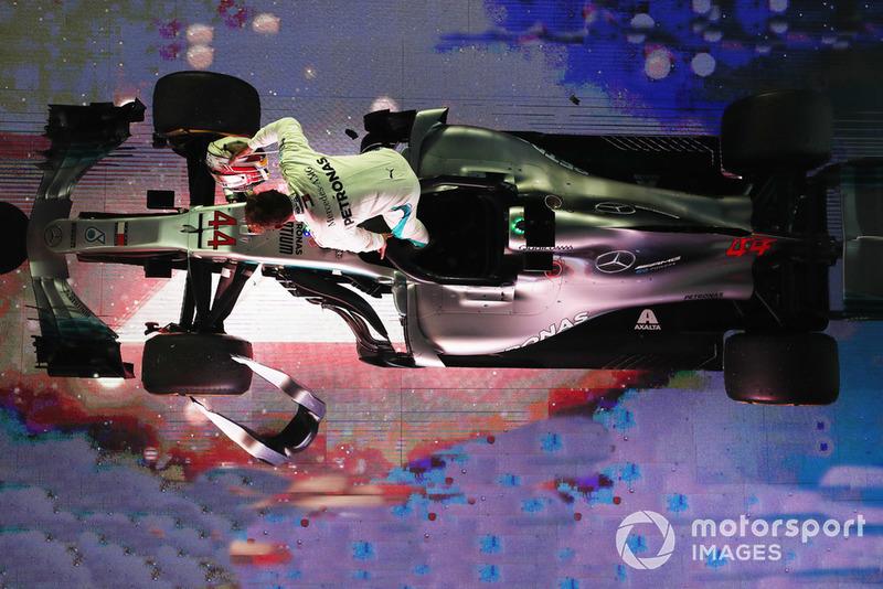 Lewis Hamilton, Mercedes AMG F1 W09 EQ Power+, 1st