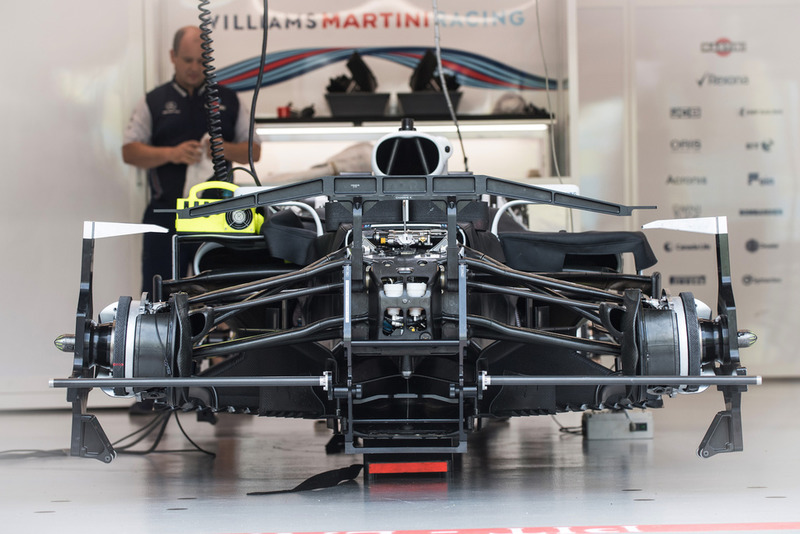 El Williams FW41 en el box