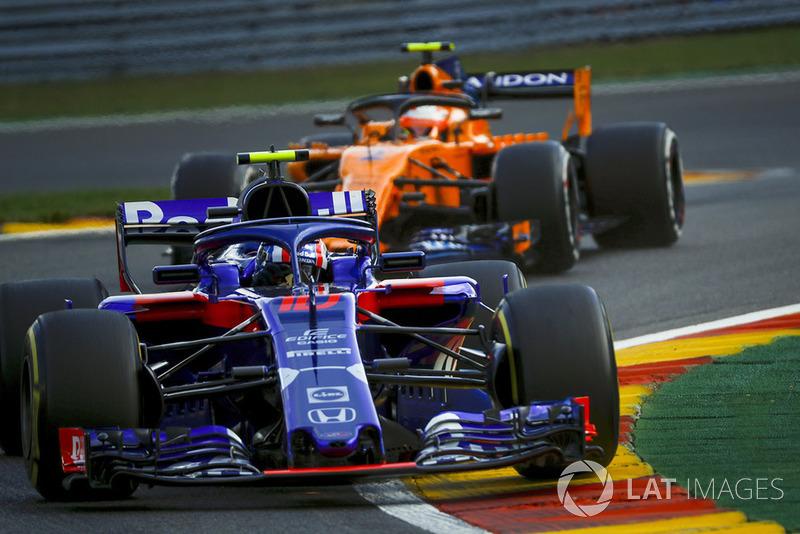 Brendon Hartley, Scuderia Toro Rosso STR13 dan Stoffel Vandoorne, McLaren MCL33