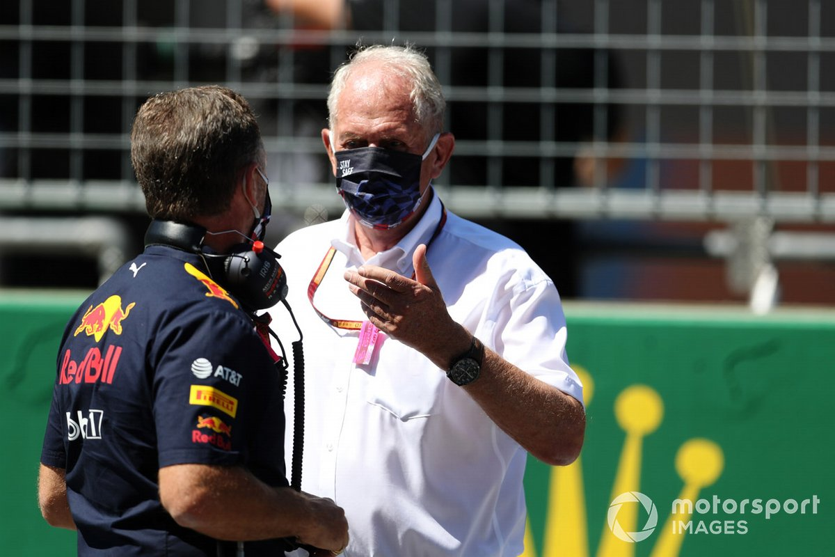 Christian Horner, Team Principal, Red Bull Racing, and Helmut Marko, Consultant, Red Bull Racing on the grid