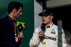 Подиум: обладатель третьего места Валттери Боттас, Mercedes AMG F1, и Марк Уэббер