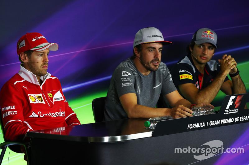Sebastian Vettel, Ferrari, Fernando Alonso, McLaren and  Carlos Sainz Jr., Scuderia Toro Rosso in the Press Conference