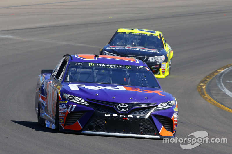 Denny Hamlin, Joe Gibbs Racing, Toyota; Paul Menard, Richard Childress Racing, Chevrolet