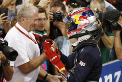 Пьер Гасли, PREMA Racing, и спортивный консультант Red Bull доктор Хельмут Марко