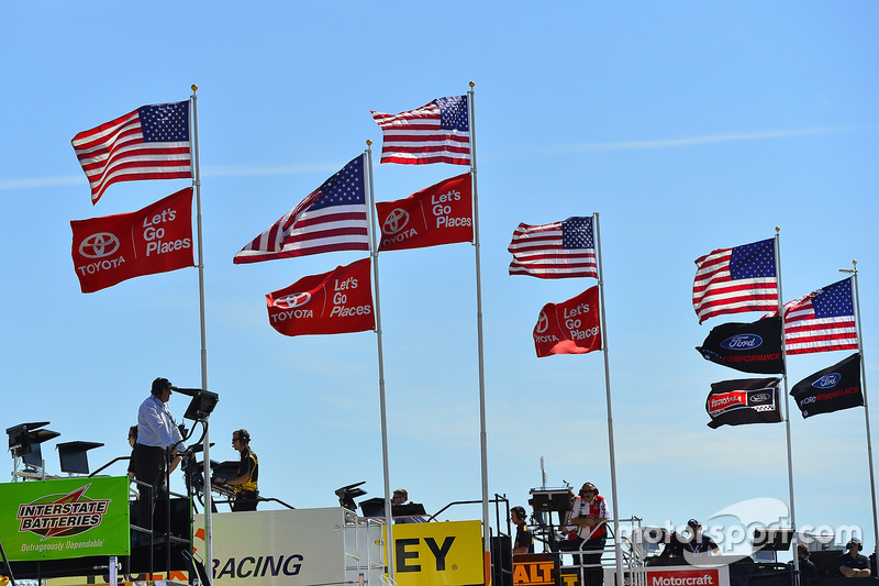 Haulers and flags