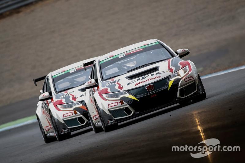 Le Honda Civic TCR di Motul Dome Racing Project e Modulo Racing Project