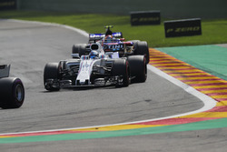 Felipe Massa, Williams FW40, Carlos Sainz Jr., Scuderia Toro Rosso STR12