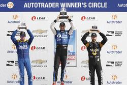 Podium : le deuxième Scott Dixon, Chip Ganassi Racing Honda, le vainqueur Graham Rahal, Rahal Letterman Lanigan Racing Honda, le troisième James Hinchcliffe, Schmidt Peterson Motorsports Honda