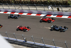 Valtteri Bottas, Mercedes AMG F1 W08, Sebastian Vettel, Ferrari SF70H, Kimi Raikkonen, Ferrari SF70H, Lewis Hamilton, Mercedes AMG F1 W08, Daniel Ricciardo, Red Bull Racing RB13