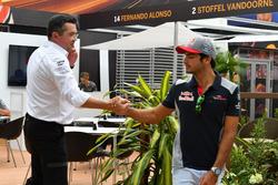 Eric Boullier, McLaren Racing Director and Carlos Sainz Jr., Scuderia Toro Rosso